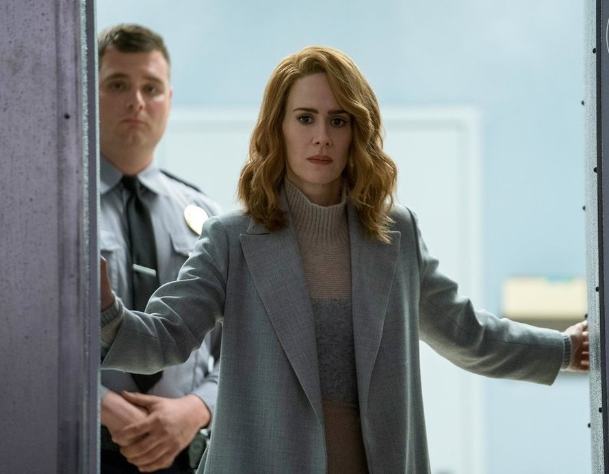 Sarah Paulson therapeute in Glass