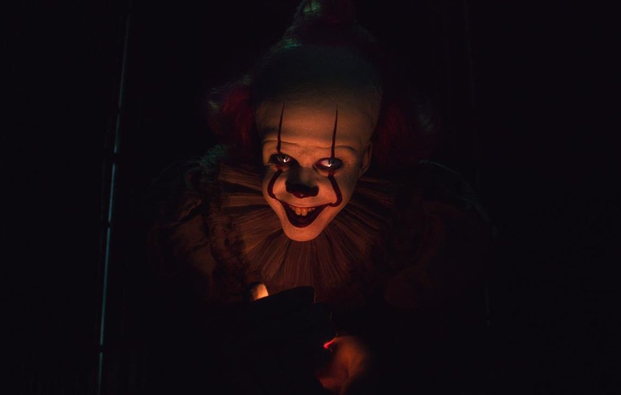 Bill Skarsgård als horrorclown Pennywise in It: Chapter Two