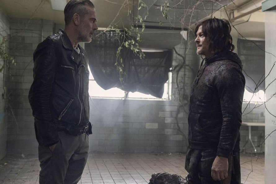Negan en Daryl in The Walking Dead seizoen 10