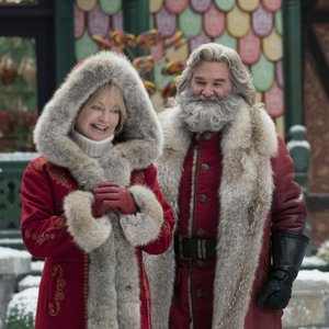 GOLDIE HAWN, KURT RUSSELL, THE CHRISTMAS CHRONICLES: PART TWO