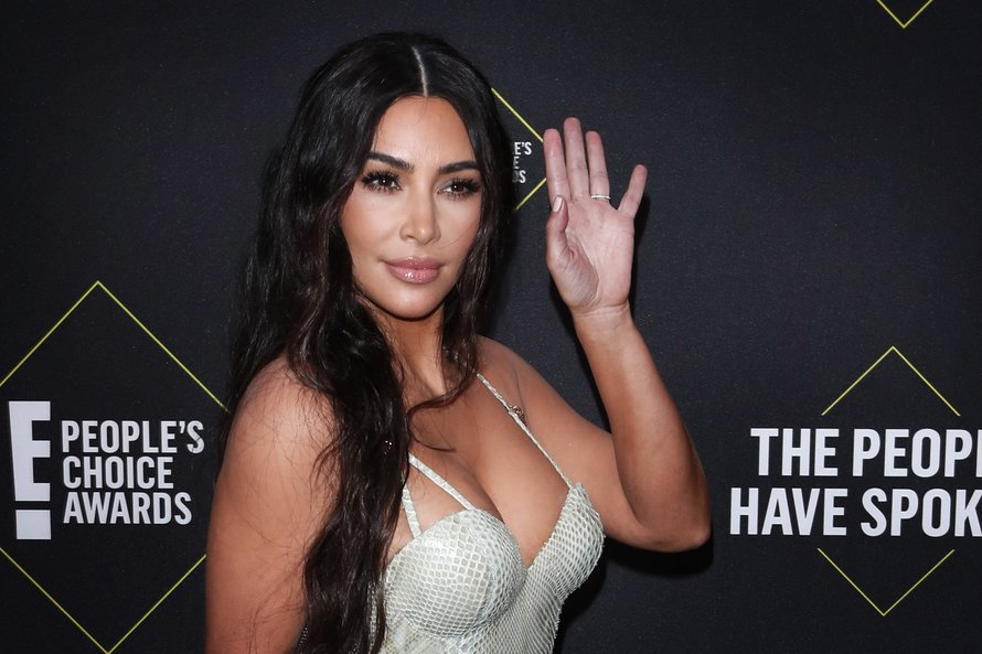 Kim Kardashian op de Peoples Choice Awards van 2019