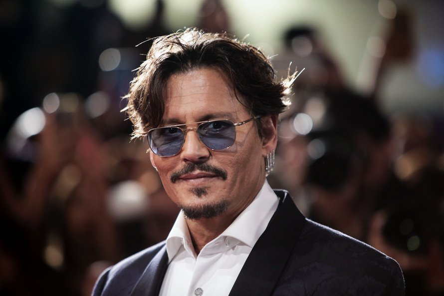 johnny depp rode loper zonnebril