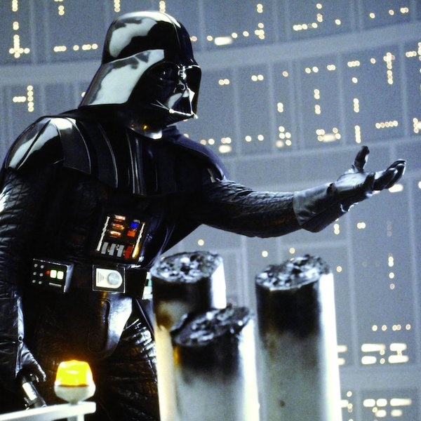 David Prowse als Darth Vader in Star Wars